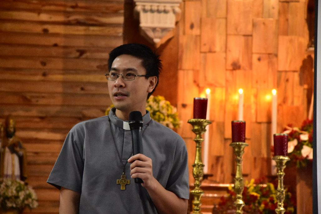 Fr. Juvelan Paul Samia, SDB, talks for the whole day about two relevant issues with the RAY delegates, </br> namely: youth evangelization in the morning; and sex and sexuality in the afternoon.